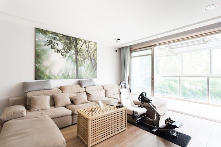 【星期八Sunday+】上海大学附近7号线新装修住宅,就近地铁站接送,出租1个卧室 - Shanghai - House