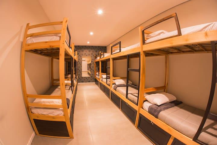 Hello Hostel - Quarto compartilhado misto