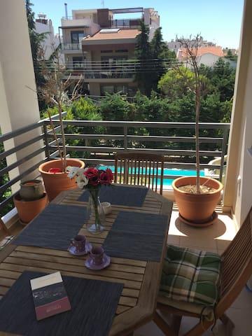 Spacious aprm-5'metro-pool view - Halandri - Apartmen