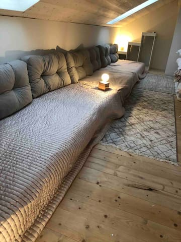 under the roof sofa version