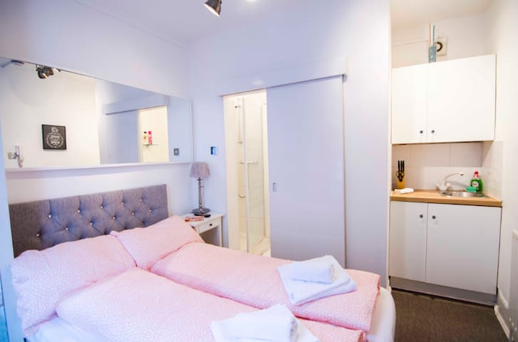 CUTE COZY Studio Apartment for 2 at GREEN PARK