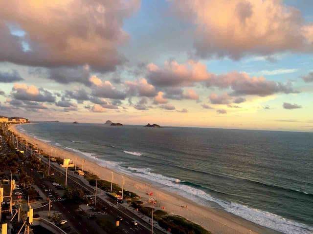 Ótimo apartamento em frente à praia da Barra