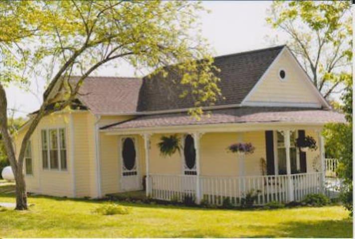 Black River Dobbins House & Pavilion, Lesterville
