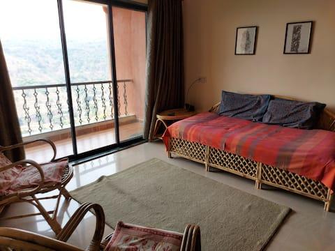 Panchgani-beautiful home with stunning views