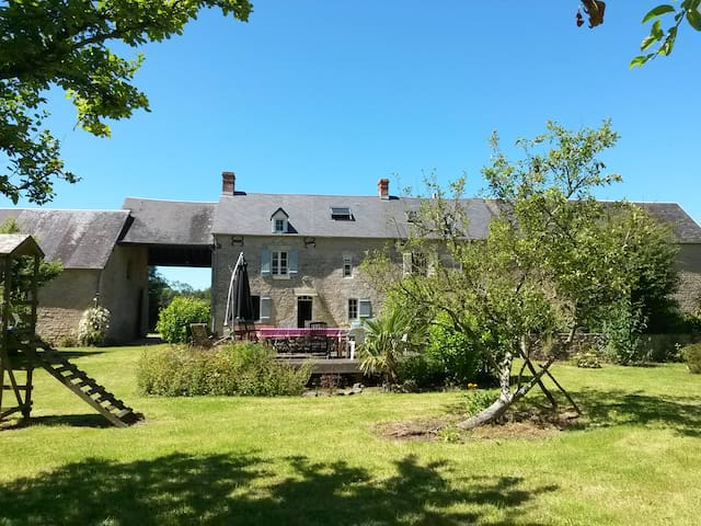 Longère en pierre - Sainte Mère Eglise - Normandie - Amfreville - Haus