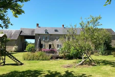 Longère en pierre - Sainte Mère Eglise - Normandie - Amfreville