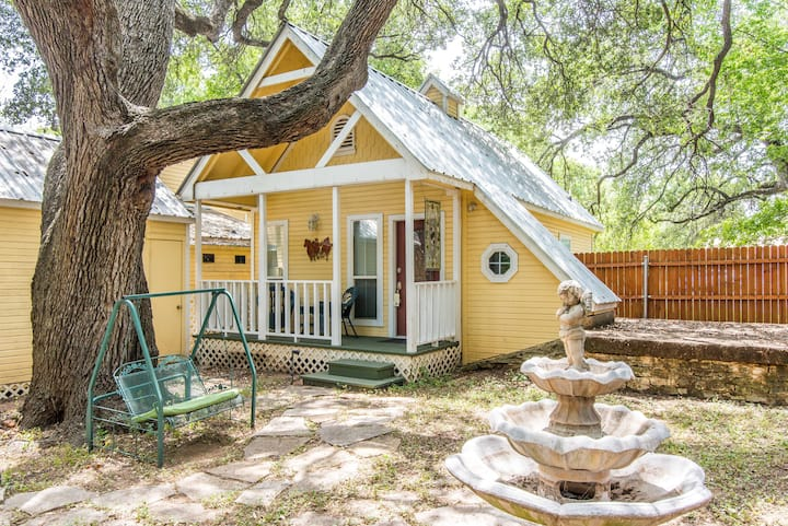 Pomegranate House & Cottages - Carriage House