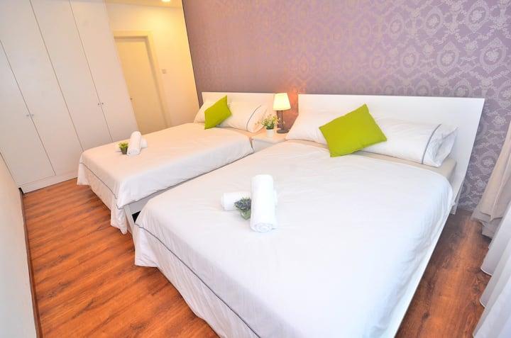 Kuching City New Luxury Vivacity Cozy Home
