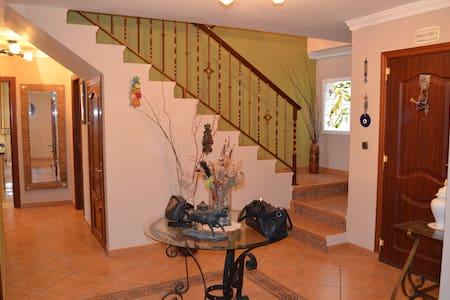 C - Benaque - Wohnung