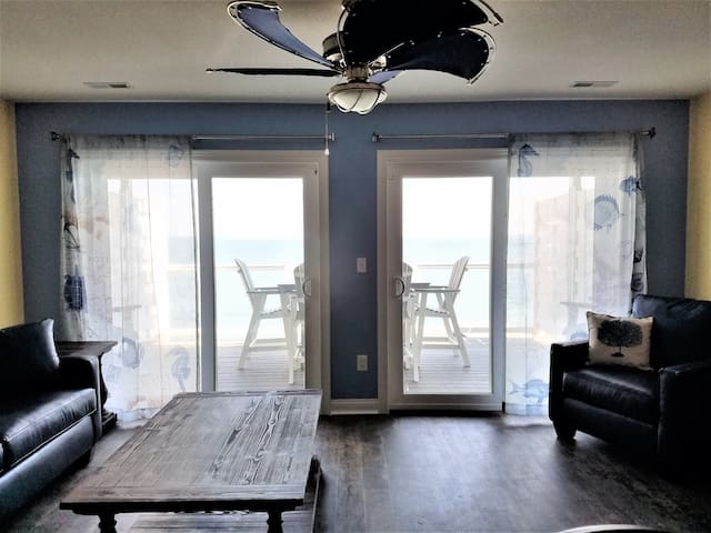 Put-in-Bay Waterfront 12-person Condo - Put-in-Bay - Osakehuoneisto