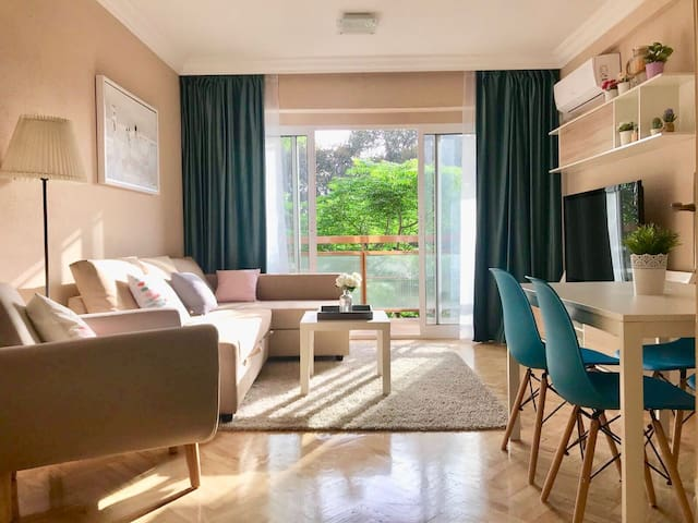 Adorable House with fast WIFI in Alicante Center