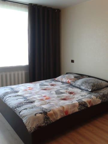 Чистая и солнечная квартира на берегу реки Волга.