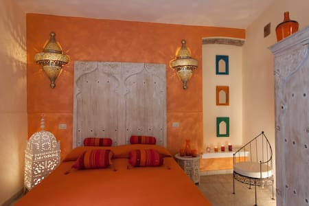 "Boutique B&B in Elba  ""GRANADA"" - Porto Azzurro - Bed & Breakfast"