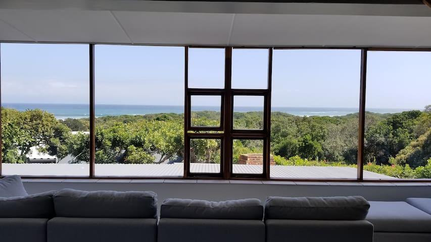 Beach house, sweeping ocean & nature reserve views