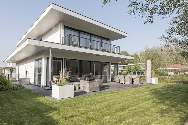 Stylish Villa in Zeewolde with Fenced Garden