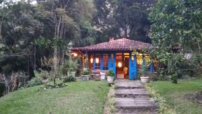 Casa em Araras/Vale das Videiras, Petrópolis,  RJ.