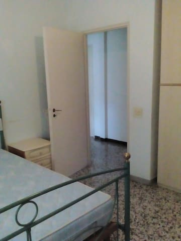 Stanza  arredata - Quarto - Apartment