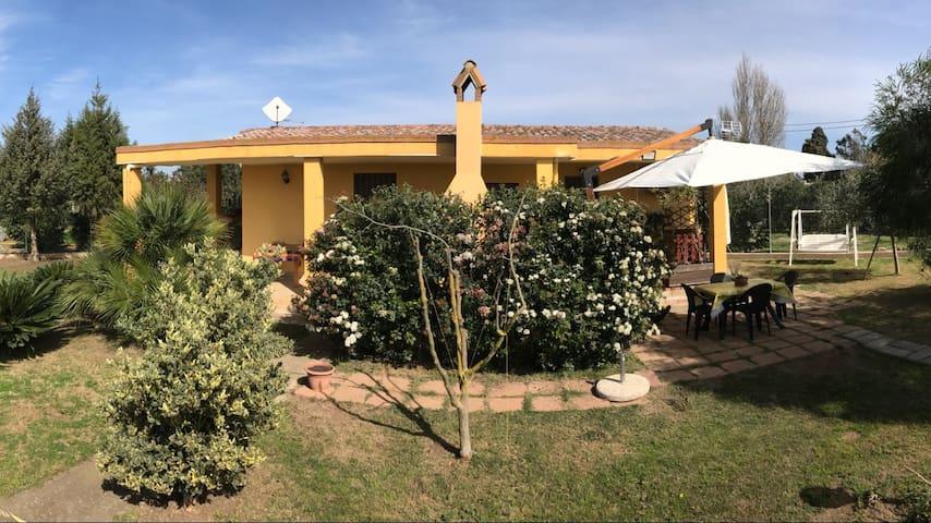 Casa Vacanza Sardegna (CA) - Assemini - Hus