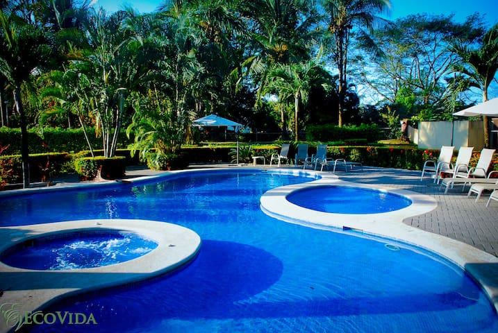 Casa Sol - Solar Panels - 5 min to beach - Luxury - Playa Bejuco - Casa