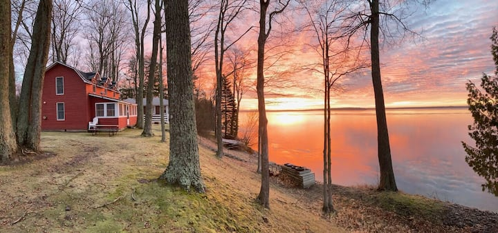 COPPER WATER COTTAGE (Carp Lake, MI): Snowmobilers welcome!