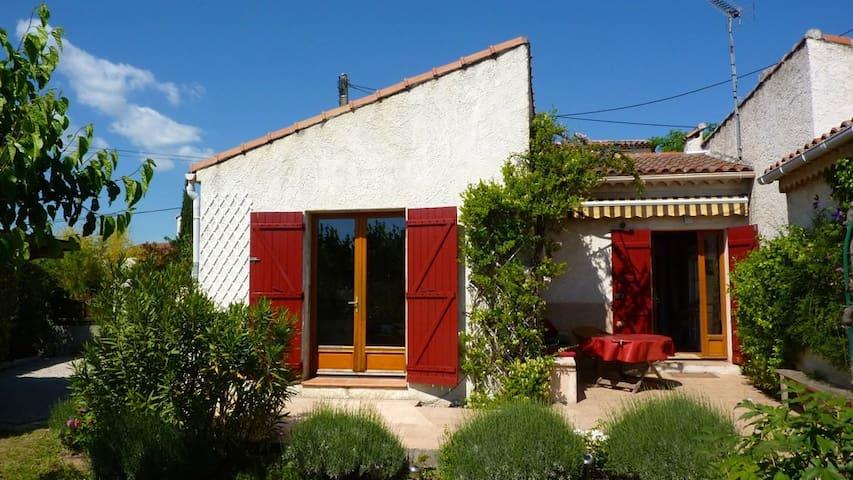 Studio cosy dans villa provençale - Trets
