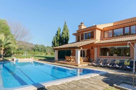 Stylish Palma Holiday Villa, 361 - Hus