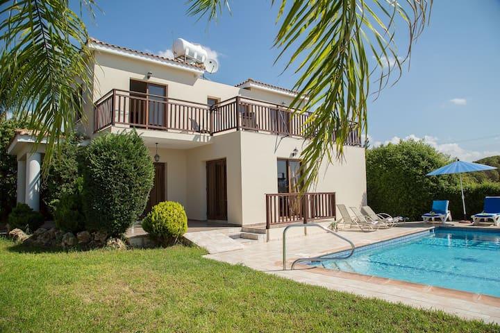 Coral Bay Sunlove Villa