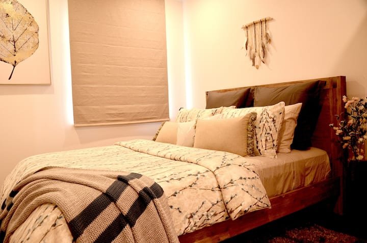 Best price Private room with carpark near city