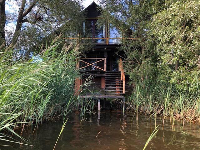 Дом на левом берегу Волги