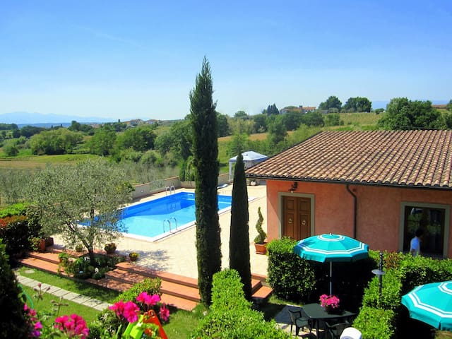 Farmholidays with 4 apartments and swimming pool