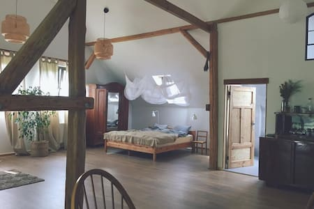Stunning spacious barn apartment & wild nature