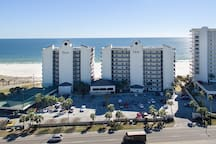 The towering Palms complex, steps from the sands of Orange Beach.