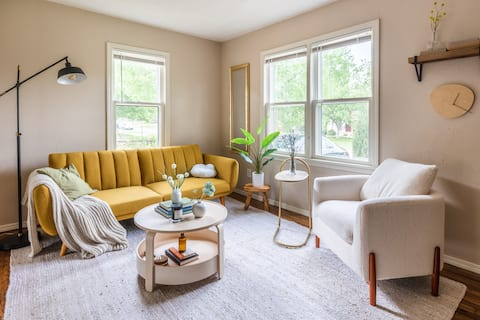 Bohemian Relaxity - 2BR in the Paseo Arts District