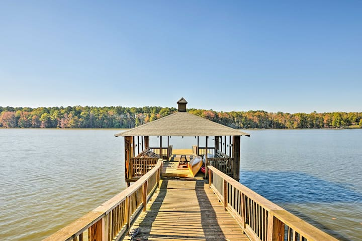 NEW! Lakefront 4BR Salisbury Cottage w/ Boat Dock!