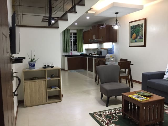 Clean and relaxing place to stay at Filinvest Hts