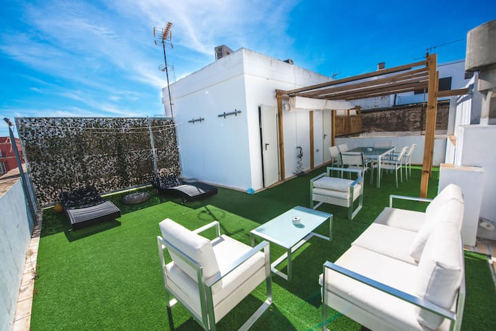 #City center with wifi, terrace & garage with fee