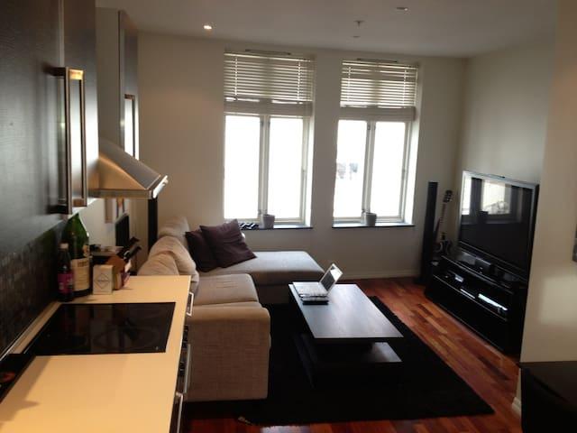 Livingroom (No TV)