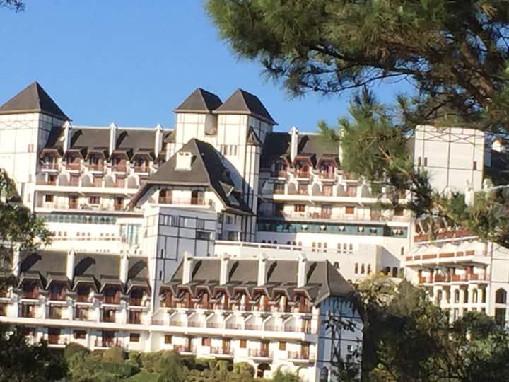 Verdadeiro Castelo na Montanha - Apto Duplex