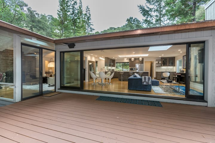 """Bungalow 78"" Modern Hm w/ glass to Redwood Forest"