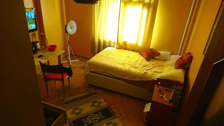 Comfortable room at kadikoy