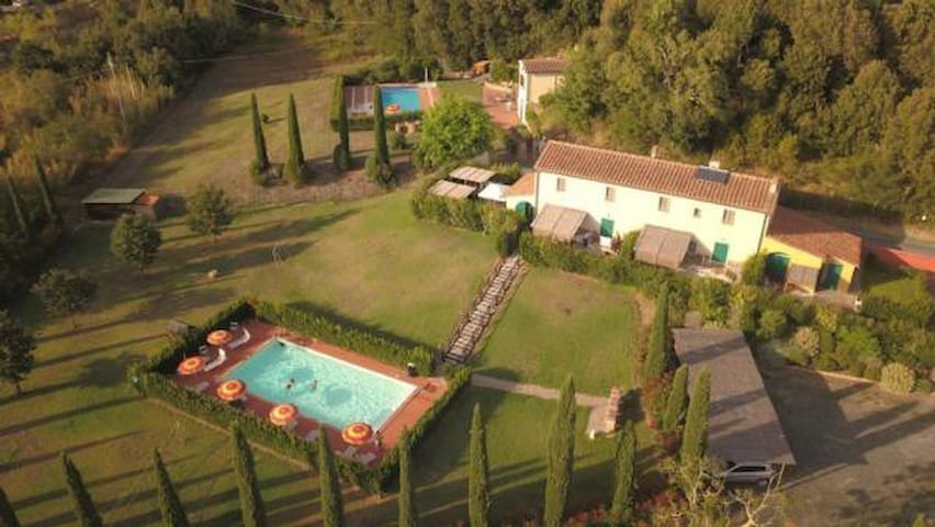 Holiday apartment in a lovely countryside estate with pool