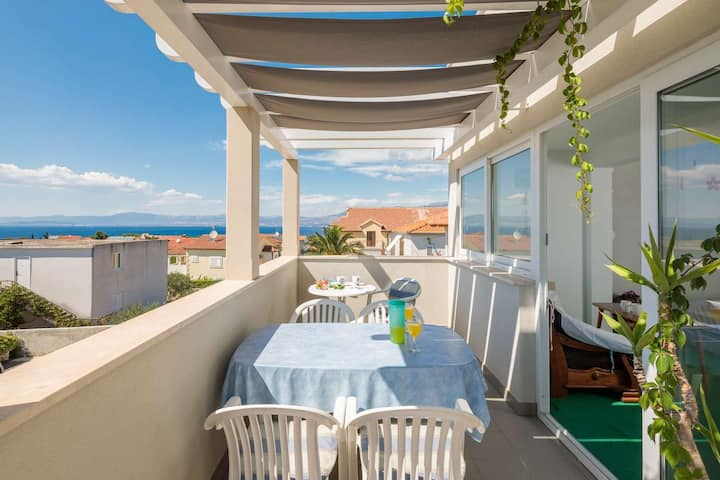 Apartment Oaza - Three Bedroom Apartment with Terrace and Sea View