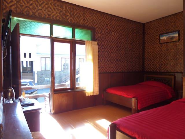 bedroom has window