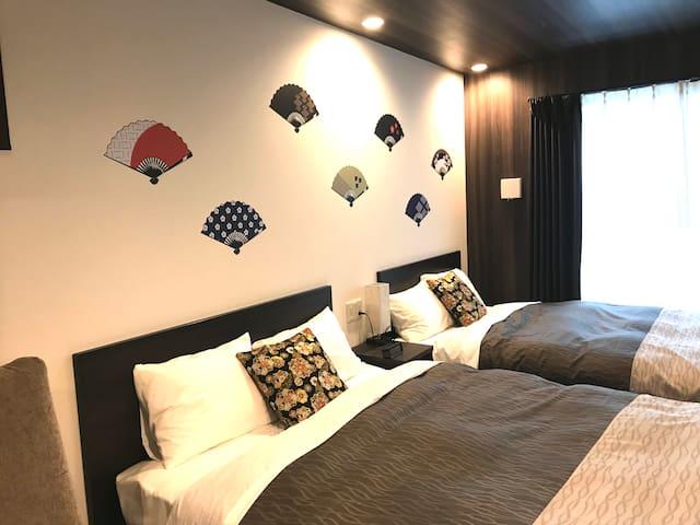 【超人氣晴明神社旁】公車站走2分鐘! 4星等級房間, 新建成公寓旅館