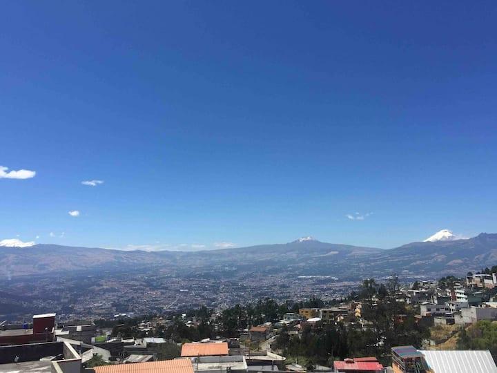 Mini departamento en Quito. A 3,5 km del centro.