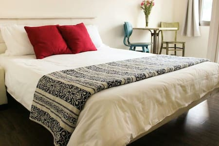 Aliyah Return Center Suite Tiberias - Tiberias - Bed & Breakfast