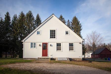 Blueberry Cottage - Colebrook - House - 2