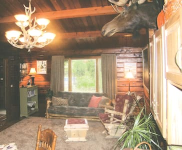 Peaceable Kingdom Bed & Breakfast and Farm, Cabin
