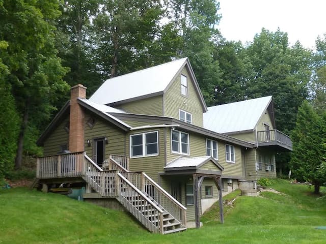 1 bedroom apt along ski bus loop - sugarbush - Warren - Byt