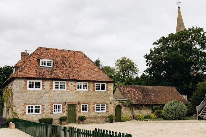 Beautiful Oxfordshire Manor House